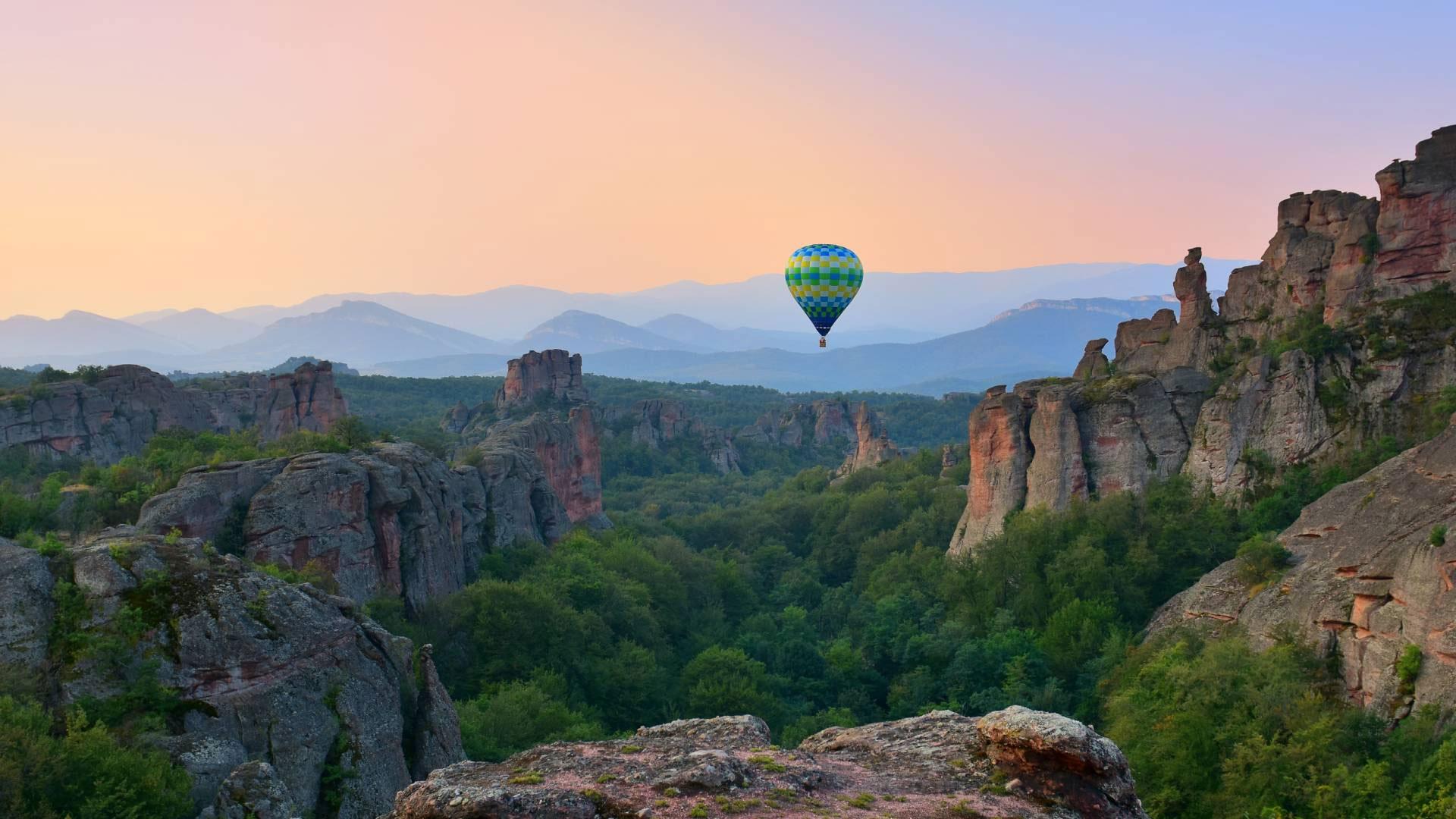 Свободен полет с балон над белоградчишките скали